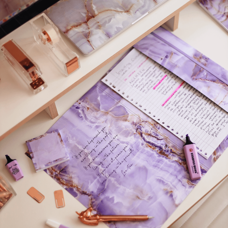 Document Folder in Luxurious Amethyst